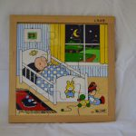 L21113 Baby in bed puzzel Rolf